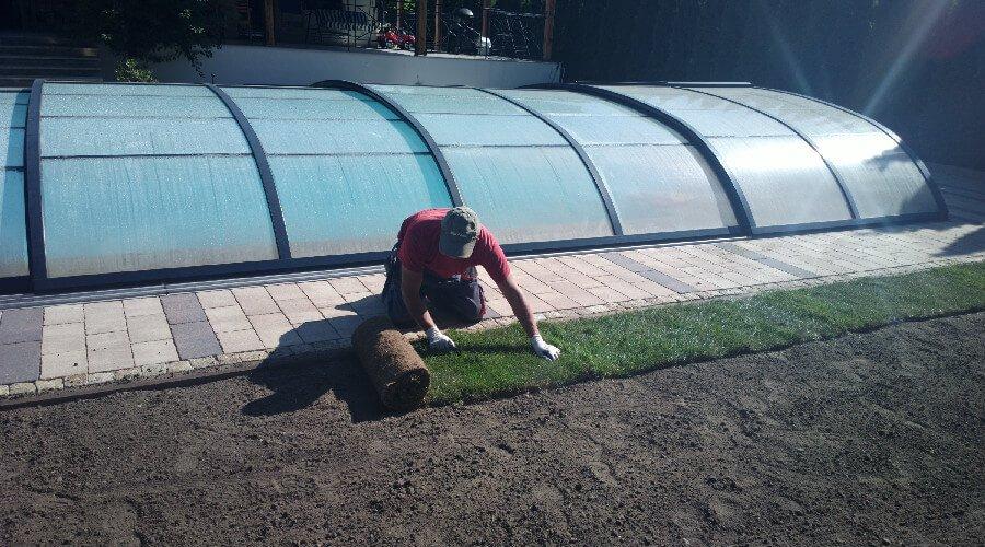 Realizacje ogrodów - zakładanie trawnika