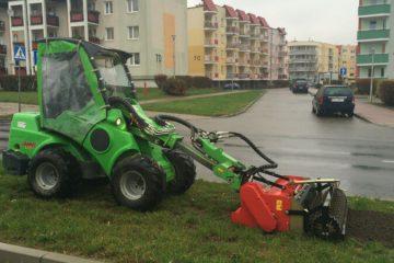 Usługi mini koparko-ładowarką AVANT Poznań Green Solutions