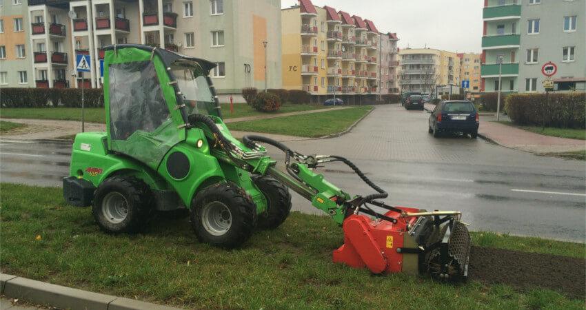 Usługi mini koparko-ładowarką AVANT Poznań