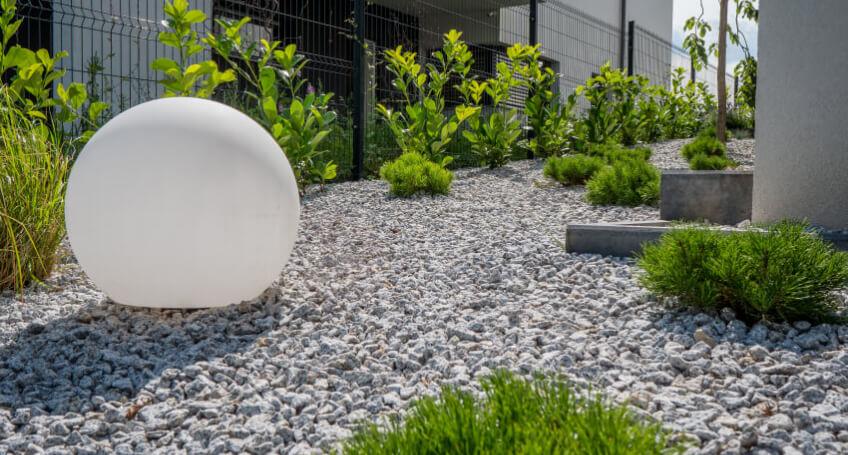 Pomysły naoświetlenie ogrodu